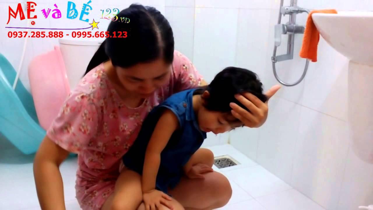 Hướng dẫn rửa mũi bằng nước mũi sinh lý cho trẻ bị sổ mũi – How to clean your baby's nose