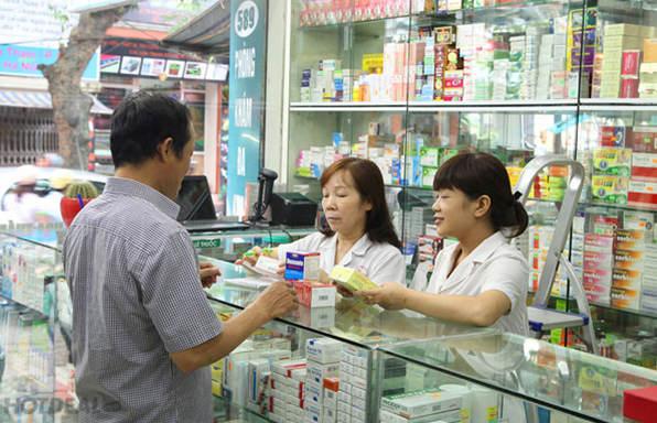 Tự ý dùng thuốc: Cha mẹ đừng 'đầu độc' hệ miễn dịch của con